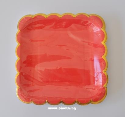 Хартиена парти чинийка червена със златен кант, 23х23см 10 бр. в опаковка