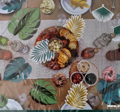 Парти комплект за декорация на маса - 13 зелени и златни листа с различни размери