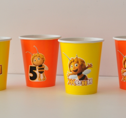 Персонализирана хартиена парти чашка 270 мл пчеличката Мая, 5бр. пакет