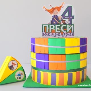 Хартиена торта с  тематична декорация Пипи Дългото Чорапче