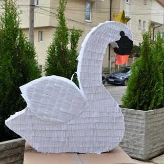 Пинята фигура Лебед / Pinata Swan