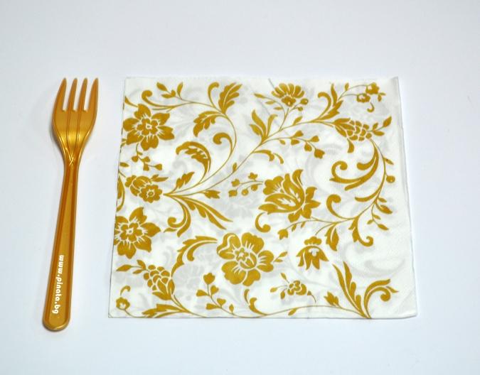 Парти салфетки златни цветя, 20 бр в пакет