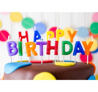 Свещички букви за рожден ден с текст Happy Birthday, различни цветове