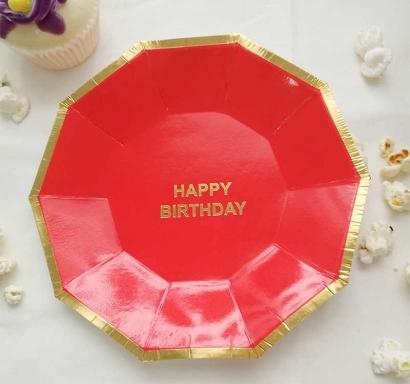 Хартиена парти чинийка цвят червен със златен кант и надпис Happy Birthday, 18х18см 10 бр. в опаковка