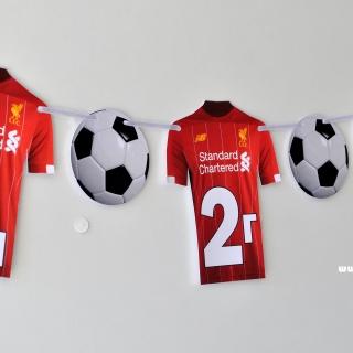 Персонализиран банер Честит Рожден Ден Ливърпул, с две включени фигури бонус