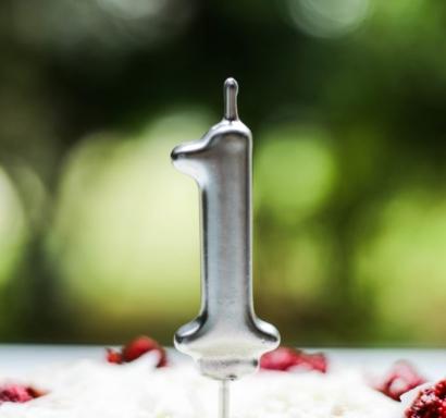 Свещичка за рожден ден, металик цвят сребро   0-9