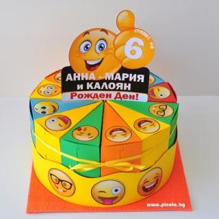 Хартиена торта с  тематична декорация Емотикони