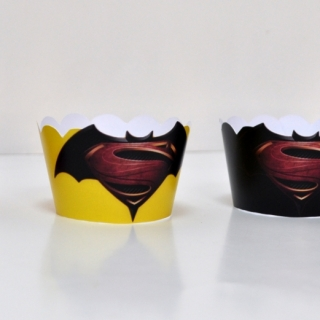Подложка за мъфини Батман срещу Супермен