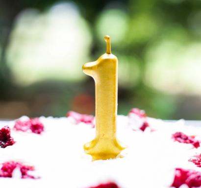 Свещичка за рожден ден, металик цвят злато   0-9