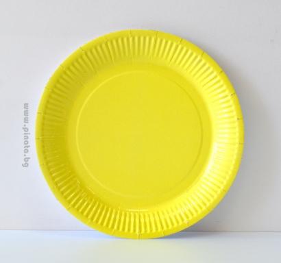Хартиена парти чинийка, 23 см диаметър жълта