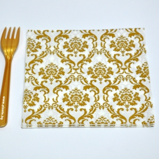Парти салфетки бели с златни орнаменти, 20 бр в пакет