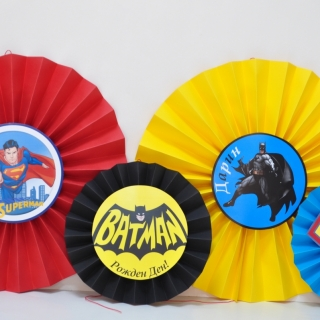 Украса за парти - Батман срещу Супермен Ветрила 4 бр